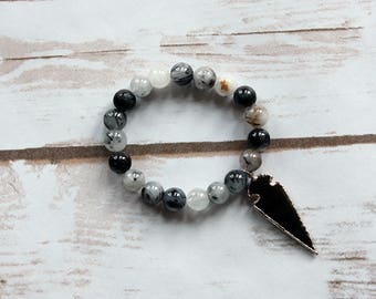 Black and White Stackable Stretch Bracelet with Arrowhead, Southwestern Style Bracelet, Stacking Bracelet, Arrowhead Bracelet