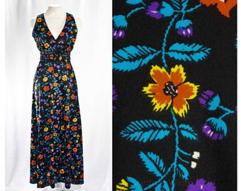 Size 10 Gypsy Dress - 1970s Black Floral Print - 70s Sun Dress with Smocked Waist - Butterflies & Flowers Summer Knit - Waist to 28 - 46918
