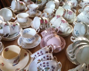 Job lot of 100 Pretty Vintage Tea Cups & Saucers - ideal for Tea parties
