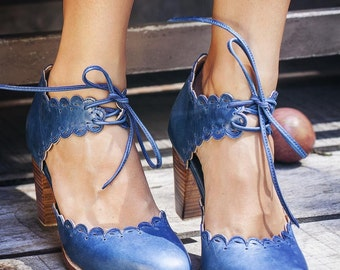 DANCE QUEEN. Leather shoes / leather heel shoes  / women dance shoes / wooden heel shoes. Sizes 35-43. Available in different leather colors