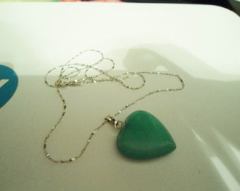 Jade Green Fuschite Gemstone Heart Sterling Silver Necklace 18 inches in Excellent Condition