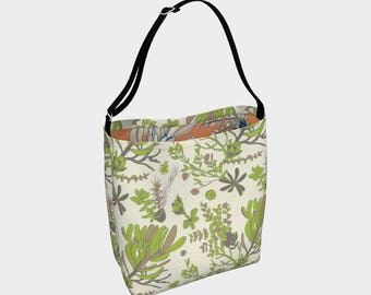 Mountain Flora Cream and Olive Day Bag 14 x 17