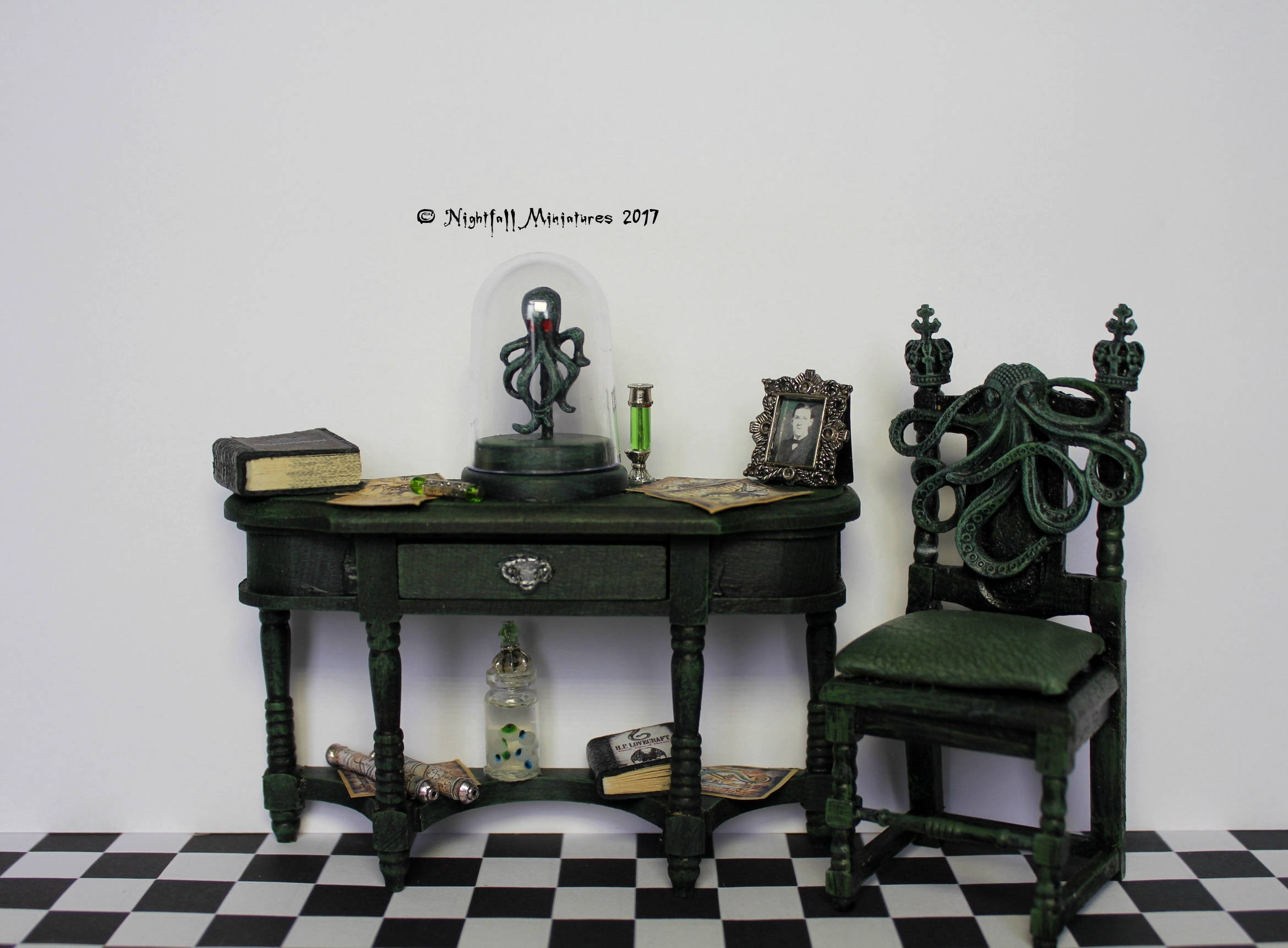 Dollhouse Miniature H P Lovecraft Cthulhu Inspired Cabinet And # Muebles Fiction