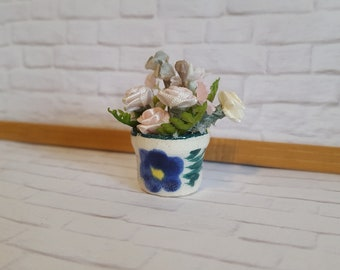 Miniature flower arrangement 1-12 scale, shabby chic / cottage dollhouse, fairy garden.