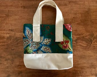 Canvas tote with Vintage Material