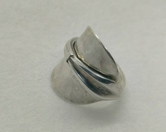 Ladies Solid Silver Spoon Ring - Size O (UK size) - Upcycled Boho Jewelry