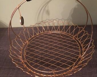 Vintage metal basket covered with gold end. ERDECOR. Production Scheldt