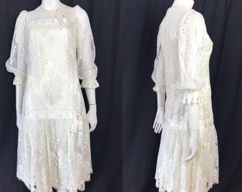 Romantic lace 1970s 20s style drop waisted dress
