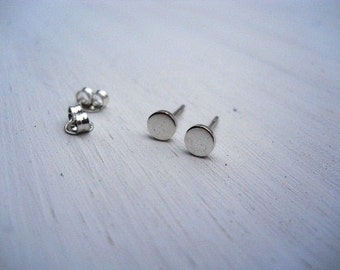 round studs round posts earrings Free shipping