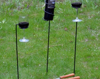 Outdoor metal wine rack Wine glass Holder, 2 outdoor wineglasses and 1 wine bottle holder