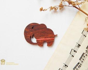 Indian Elephant Wood Brooch. Elephant Laser cut wood brooch. Woode Pin. Laser Cut Pin. Very cute little brooches. Elephant wood brooch.