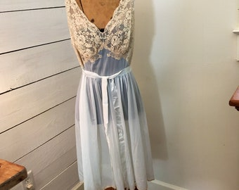 Vintage Blue and  Ivory Nylon Nightgown Vanity Fair size 38 vintage nightgown slip