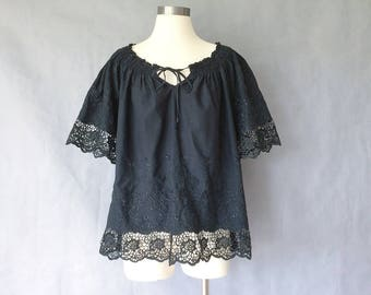 Reserved for Zhang jingwen vintage blouse/ crochet/ embroidered blouse/ minimalist black top/ vintage shirt/ vintage top women's size M/L/XL