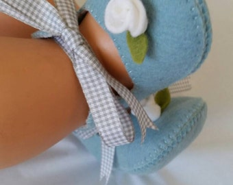 Limited Edition! Blue/grey with white rose wool felt shoes