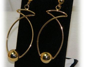 Unique Style Dangle Earrings . . Never Worn