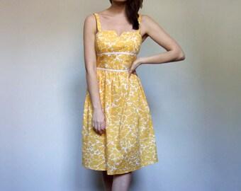 Yellow Sundress Simple Summer Dress Floral Print Dress Vintage Yellow Dress 80s Floral Dress - Medium M