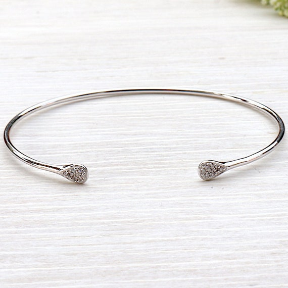 925 sterling silver Bangle Bracelet and finish brilliant cubic zirconia