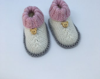 Baby Ugg boots-Baby booties -Woollen baby shoes - Baby booties 0 -4 months -  Baby girl booties -Newborn ugg boots