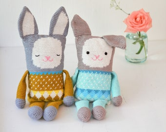 Crochet pattern stuffed toy rabbit (English US and Dutch)