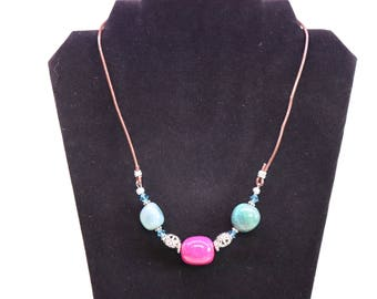 Natural stone and leather necklace