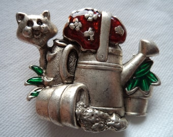Vintage Signed Danecraft Silver pewter Garden Cat Brooch/Pin