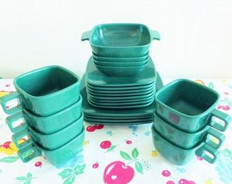 Mid Century Dark Green Ever Ware Melmac Dishes Arrowhead Design Retro Camper Plates Cups Bowl Melamine Texas Ware 1950s 1960s Square Modern