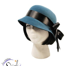 1920' style cloche hat  made in turquoise recycled wool felt