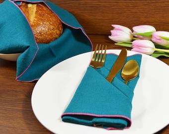 Teal Linen Dinner Napkins, set of 4 // Linen Napkins // Christmas Napkins // Wedding Napkins // Surged Edge Napkins