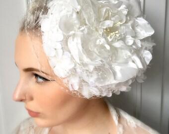 SALE. Vintage White Wedding 1960s Polka Dot Pillbox Bridal Hat and Veil