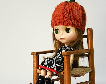 Blythe doll pumpkin hat knitting PATTERN - instant download - permission to sell finished items