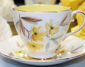 OLD ROYAL Bone China Teacup and Saucer Set