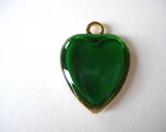 Green enameled gold metal heart charm
