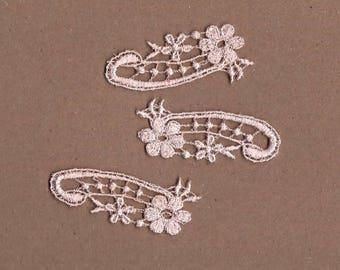 Hand Dyed Venise Lace Appliques Petite Floral Accents Set of 3 Vintage Blush Pink