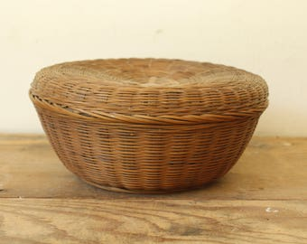 Antique Wicker Sewing Basket Round Vintage Storage Display Organize