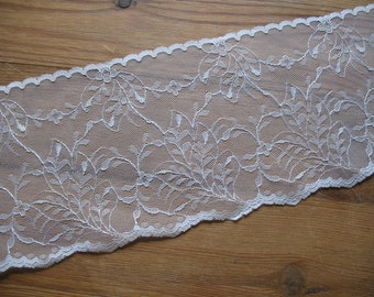 Extra Wide 80's Vintage Cream/Ivory Coloured Lace, Unused, Wedding Lace, Boho Wedding Accessory Supplies, Sewing Supplies Lace Crafts