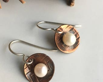 50% OFF Copper and Freshwater Pearl Earrings, Textured Earrings, Hammered Earrings, Pearl Earrings, Metalwork Earrings, Etsy, Etsy Jewelry
