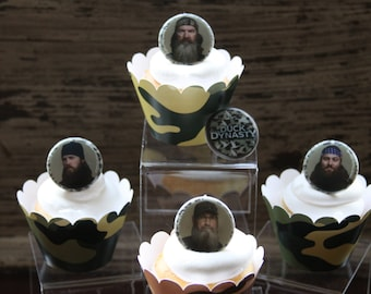 SALE ~ Duck Dynasty ~ Cupcake Topper Ring Party Favors (set of 12)