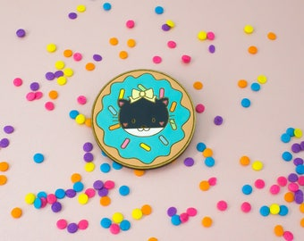 laser cut / hand painted wooden brooch - donut (Lily)