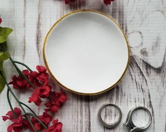 Minimalist Ring Dish, White Trinket Dish, Jewelry Dish, Ring Holder, Clay Ring Dish, Engagement Gift, Women's Gift, Mother's Day Gift