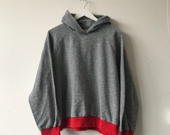 Vintage 70s 80s Tempo USA Grey and Red Cropped Raglan Sleeve Hoodie Sweatshirt Jumper