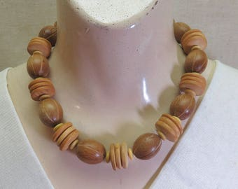 1980s Vintage African Carved Wooden Animal Bead Choker Necklace