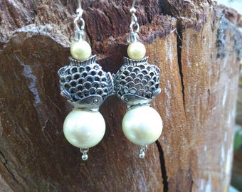 Catch of the Day, Pearl, Fish Earrings