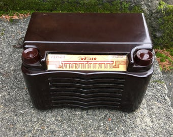 1950 Trav-Ler MP3 Bakelite Radio, Elec Restoration