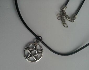 Pentacle Pentagram black leather necklace