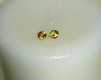 Sphene Titanite Stud Earrings, Natural Sphene Round Cut 5mm Studs 1.0 Carats per pair
