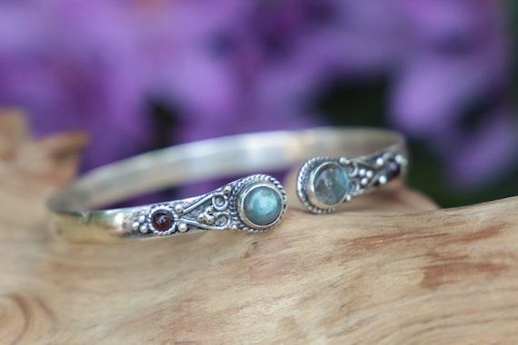 LABRADORITE CRYSTAL BANGLE  -Silver Bracelet - Healing Crystal Jewellery - Chakra - Statement bracelet - Boho - Vintage jewellery - Tibetan