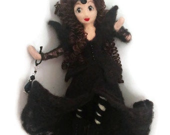Witch Art Doll, Kitchen Witch, Sorceress Doll, Needle Felted doll, Housewarming Hostess Shower Gift, witch art doll, Wool Art, Witchy
