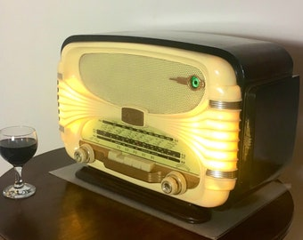 Bluetooth speaker system Art Deco 1958 Océanic model Surcouf Radio with FM radio and Aux inputs. Art Deco Modernist style.