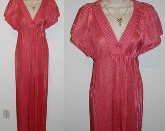 Vintage Long  Pink Nightgown ~ 1970's Slumber Suzy Coral Pink Nightgown ~ Embossed Nylon Nightgown ~ Vintage Pink Nightgown ~ Pink Nightgown