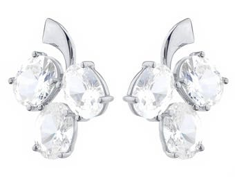 9 Ct White Sapphire Oval Shape Design Stud Earrings